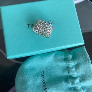 Tiffany & Co. Paloma Crown Of Hearts Ring